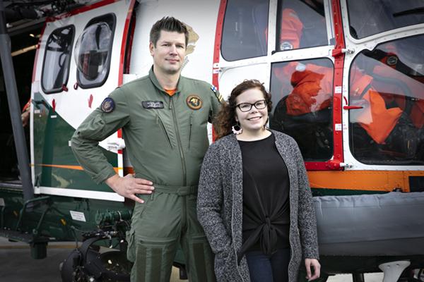 Flight mechanic Mikko Ketonen and Reetta Siltasalmi-Kautto, service designer at Erillisverkot Group.