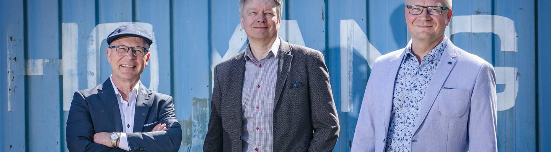 Mika Matturi (vas.), toimitusjohtaja Timo Lehtimäki ja Kari Asiala.